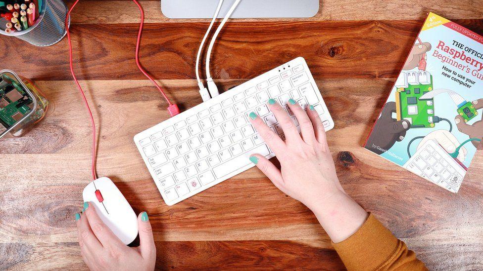 В клавиатуре содержится целый компьютер
