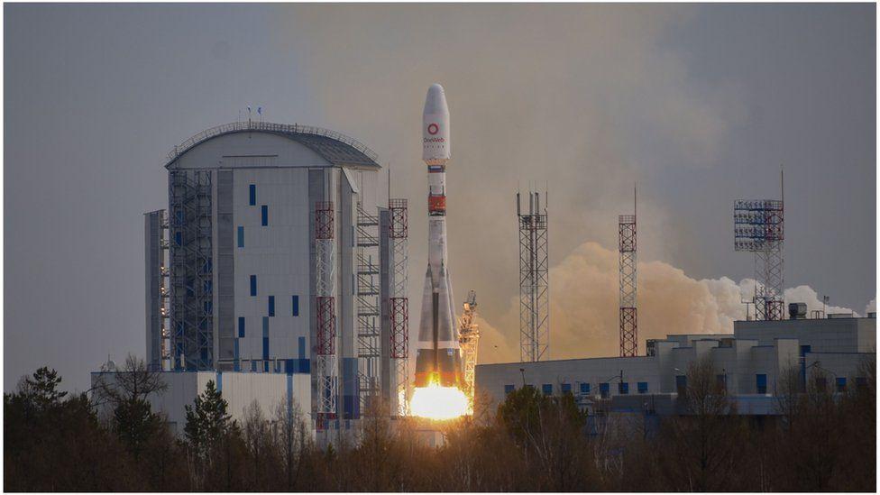 """Спутники поднялись на ракете """"Союз"""" с космодрома Восточный."""