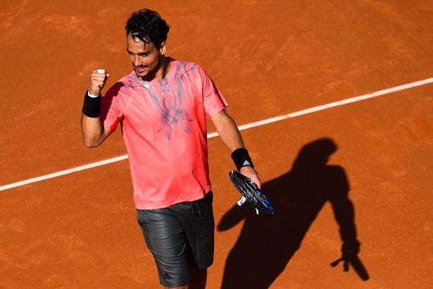 Фабио Фоньини празднует победу над Рафаэлем Надалем на Barcelona Open