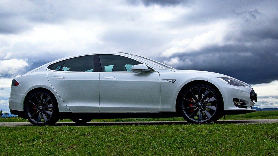 Tesla оштрафовали в Норвегии