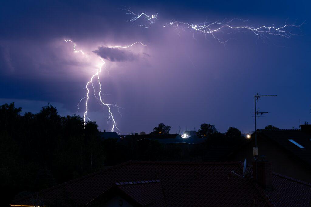 где и когда ударит молния
