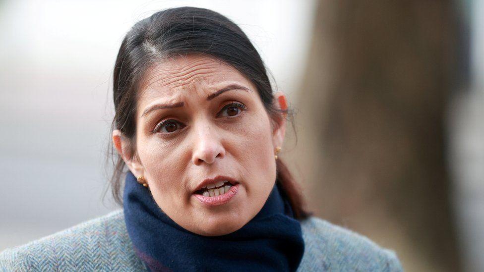 Министр внутренних дел Прити Патель выразила обеспокоенность по поводу сквозного шифрования, позволяющего жестокому обращению с детьми. WhatsApp