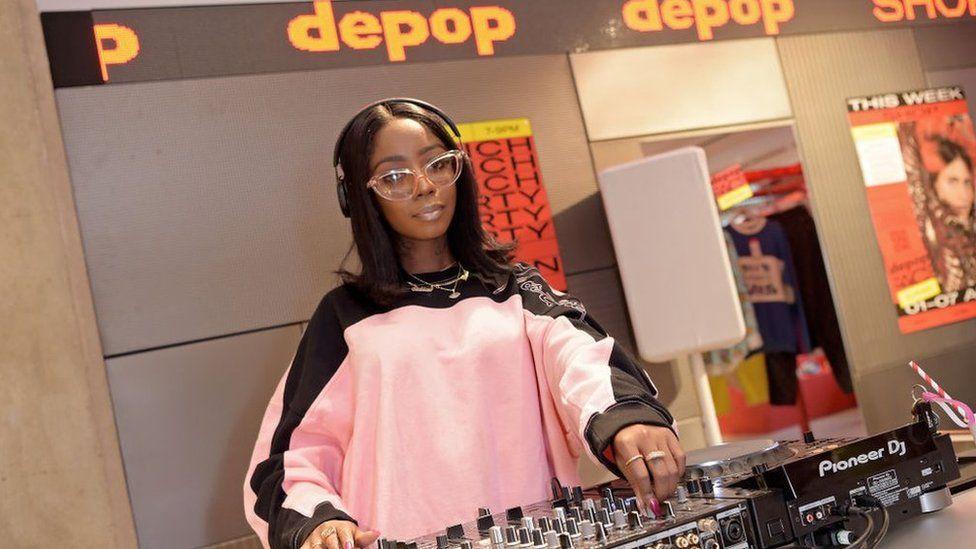 DJ Шивон Белл посетила pop-up магазин Depop в Лондоне