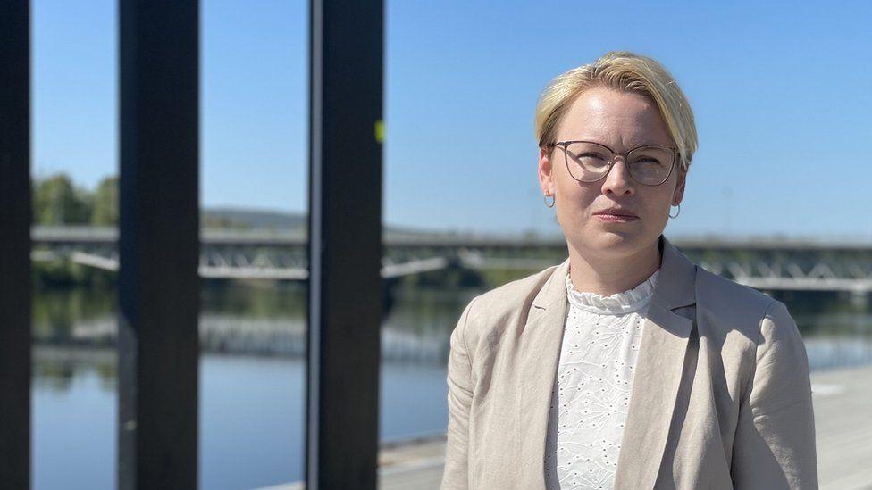 "The battery plant is a ""win-win"" says Skellefteå Deputy Mayor Evelina Fahlesson"