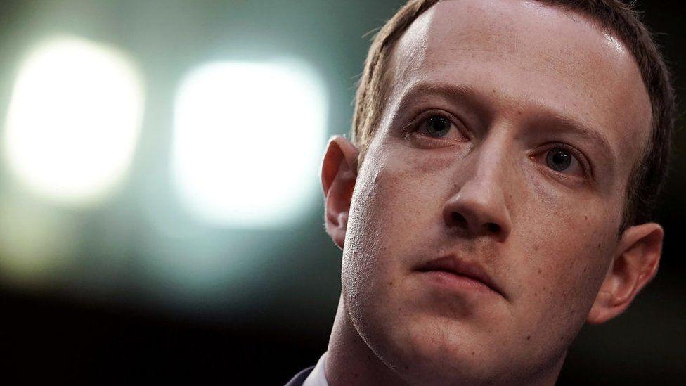 Босс Facebook - Марк Цукерберг