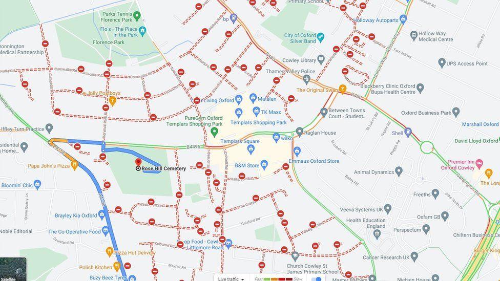 """Совет графства Оксфорда считает, что карты, показывающие, что """"так много"""" дорог закрыто, являются ошибкой."""
