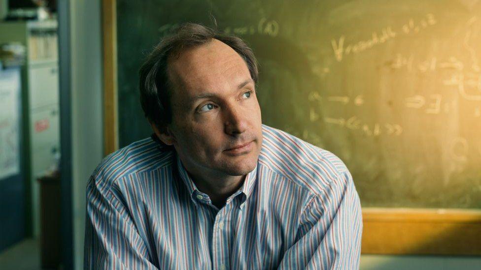 Сэр Тим Бернерс-Ли из Массачусетского технологического института, март 1998 г. продает NFT