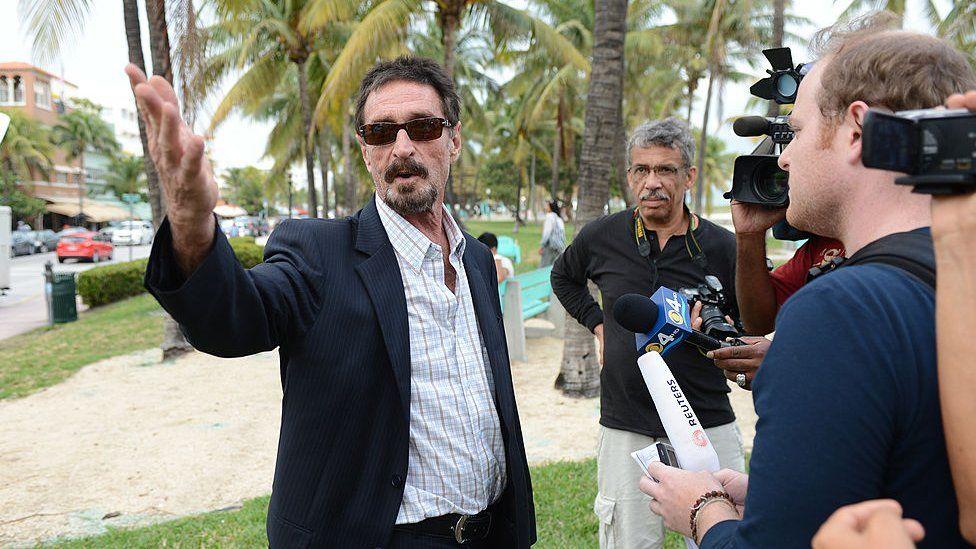 John McAfee, изображенный здесь, в Майами-Бич, Флорида, был неоднозначной фигурой в технологическом секторе.
