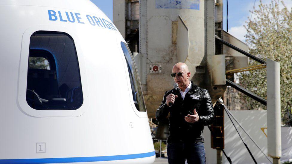 Джефф Безос и его брат Марк будут на борту первого рейса с экипажем нового транспортного средства Шепарда 20 июля