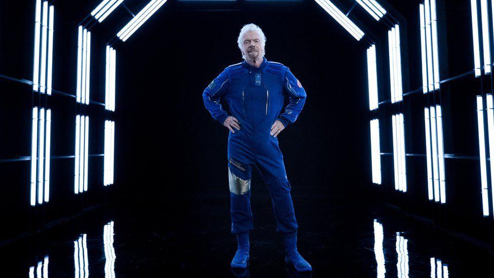 Сэр Ричард в последнее время был занят подготовкой к своему путешествию на край космоса