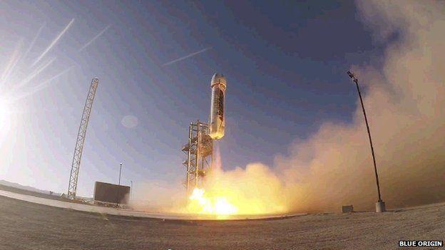 """Ракета и капсула """"Нью-Шепард"""" вылетают из Западного Техаса"""
