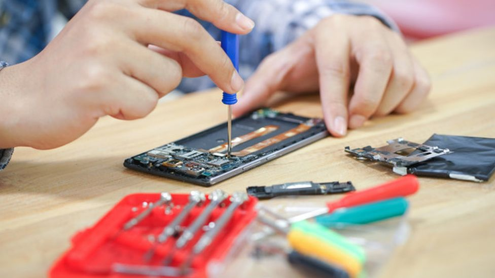 Device manufacturers say independent repair without oversight could lead to security and safety issues