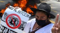 Биткойн-протесты в Сальвадоре против криптовалюты как законного платежного средства